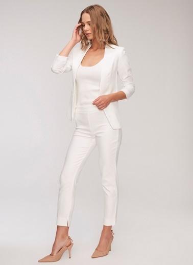 People By Fabrika Beli Lastik Detaylı Pantolon Beyaz